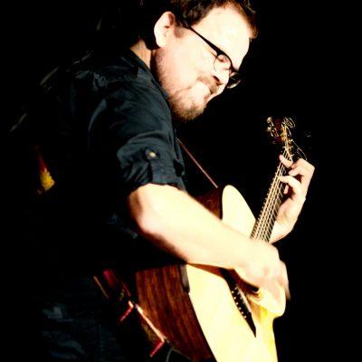 Marco Schilling 440 28.08.2011 Hemsbach Kulturbuehne Max / Gitarrenkonzert /Don Ross & Brooke Miller